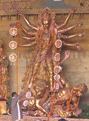 S344_durga-idol-golden